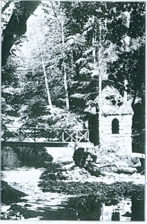 c1910 Hermits Hut, Calderwood Glen