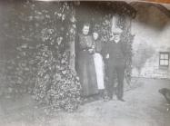 c1900 Jessie, Mary and Bob at Boathouse Farm