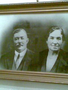 1915 James and Marion McGrorty nee Dalziel