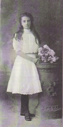 1915 Miss Nora Moore of Greenhall