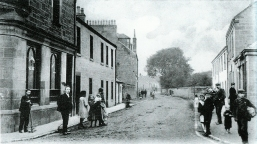 1905 Broompark Road at Blakelys pub from Main St