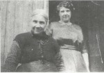1928 Mrs Leach and daughter at Stewartfied Farm