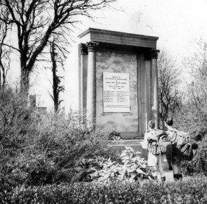 auchintibber-war-memorial