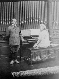 1903 Patersons at the organ, in Blantyre, Lennox, MA.