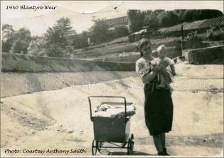 1950 Blantyre Weir, river runs dry