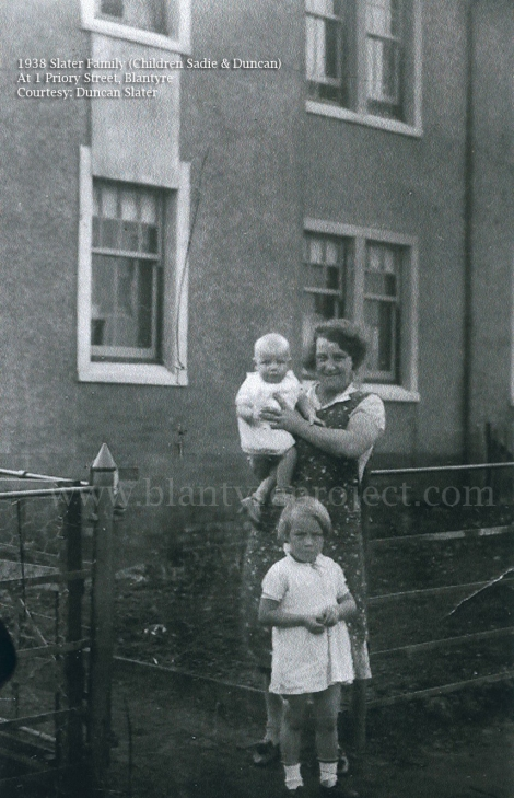 1938 Slater Family at 1 Priory St wm