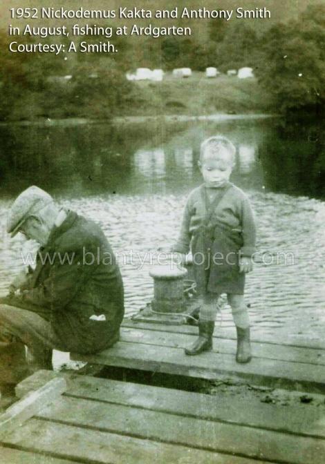 1952-nickodemus-kakta-at-argarten-with-grandson-aug-wm