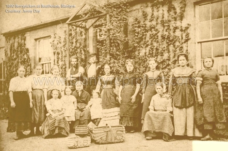 1890 Berrypickers at Boathouse wm
