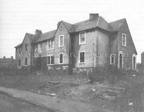1990 Burnside Crescent 1 wm
